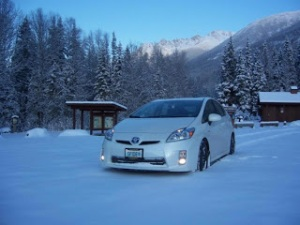 toyota-prius-on-snow-01-550x412