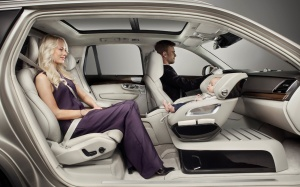 volvo0715-xc90-excellence-child-seat-concept