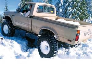 toyota-truck-in-snow