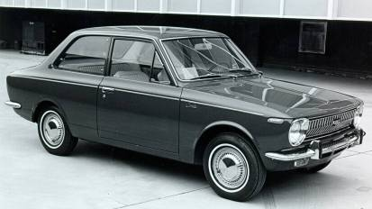 1st_corolla_1969_1970
