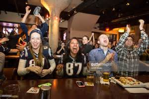 pats-fans-at-bar